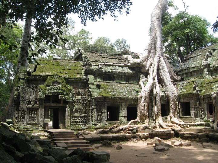 Kam-angkor-wat-03